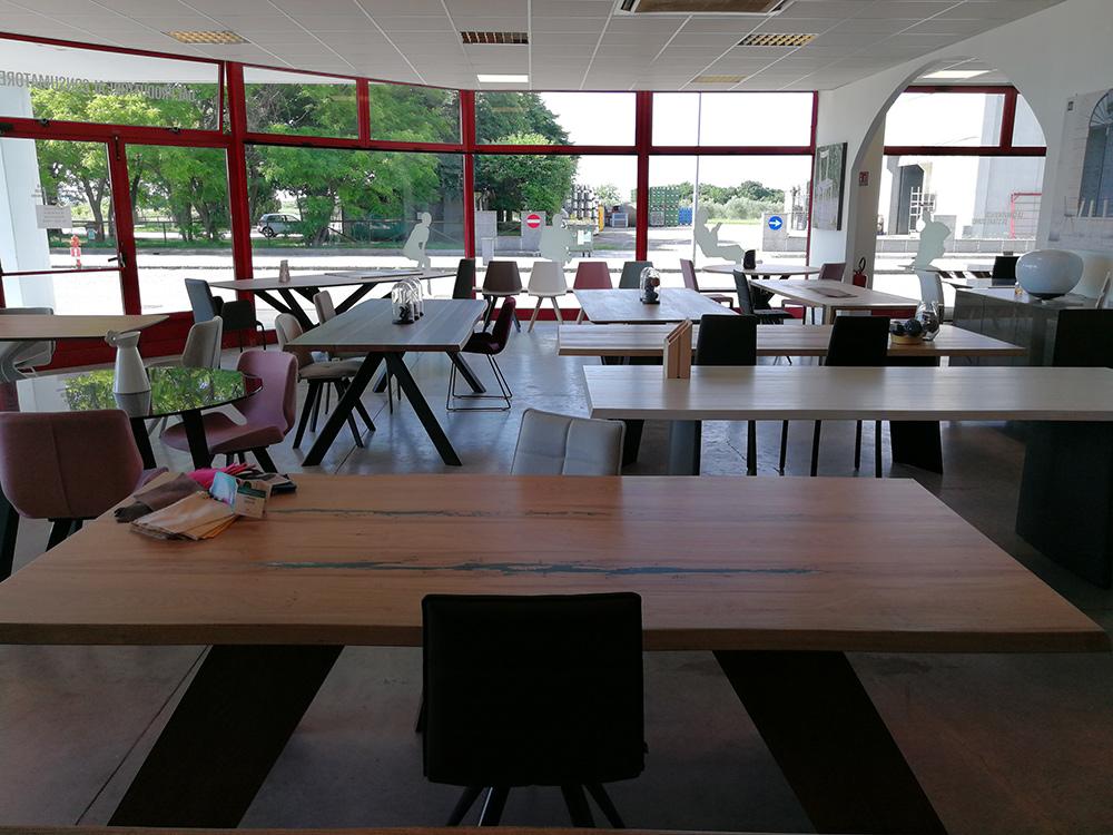 Showroom natisa srl tavoli e sedie di design in legno for Sedie di design 2017