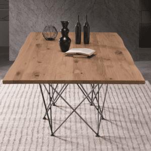 tavolo di design in legno e metallo vista frontale